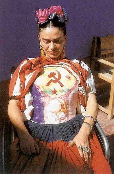 Frida-Kahlo-body-cast