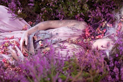 New-Wonderland-Photos-by-Kirsty-Mitchell-3