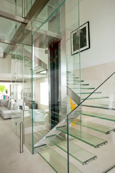 Malibu-Residence-indoor-glass-pool4