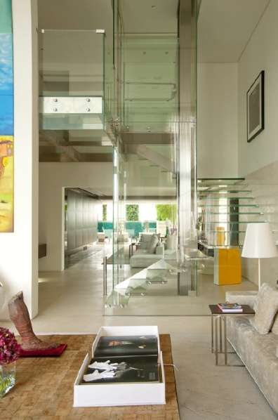 Malibu-Residence-indoor-glass-pool5