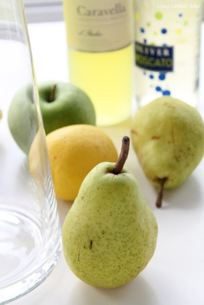 Apple-and-Pear-White-Sangria-1