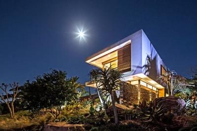 Aloe-Ridge-House-by-Metropole-Architects-1