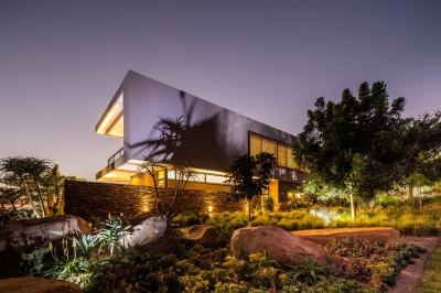 Aloe-Ridge-House-by-Metropole-Architects-3