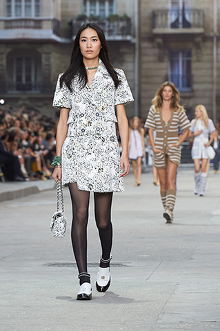 chanel-spring-summer-2015-ready-to-wear-looks-08